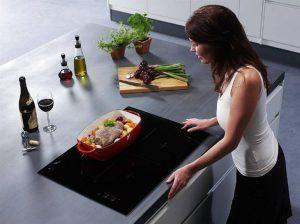Cách sử dụng bếp từ an toàn, cho bạn và gia đình